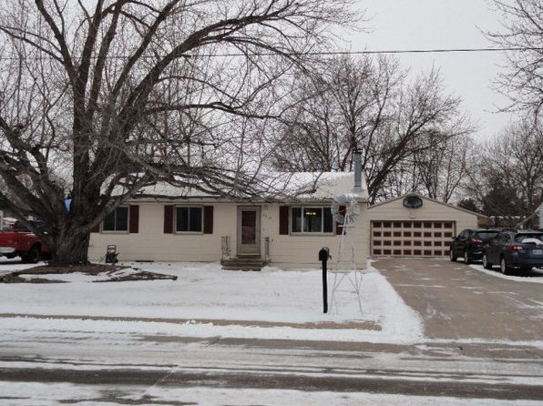 5 bed 2 bath Single Family at 2916 W North Front St Grand Island, NE, 68803 is for sale at 145k - 1 of 29