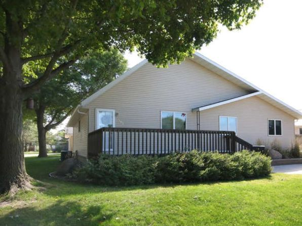2 bed 2 bath Single Family at 507 5th St SW Montgomery, MN, 56069 is for sale at 180k - 1 of 24