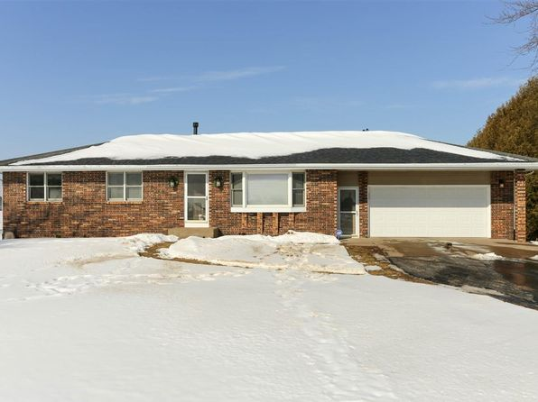 3 bed 2 bath Townhouse at 17741 Middle Rd Dubuque, IA, 52002 is for sale at 210k - 1 of 25