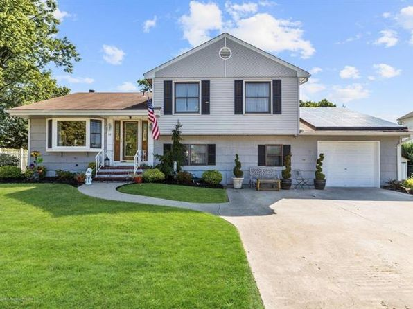 4 bed 3 bath Single Family at 10 Dartmouth Rd Neptune, NJ, 07753 is for sale at 410k - 1 of 43