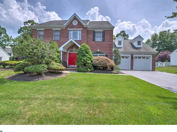 4 bed 3 bath Single Family at 10 Wharton Ct Kendall Park, NJ, 08824 is for sale at 600k - 1 of 25