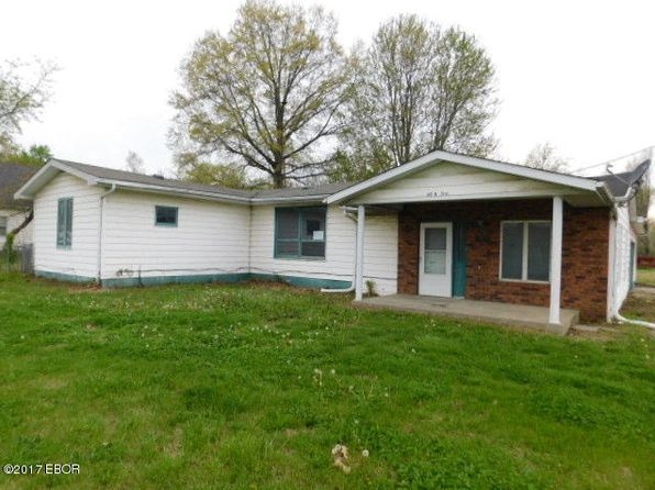3 bed 2 bath Single Family at 621 N 31st St Herrin, IL, 62948 is for sale at 13k - 1 of 12