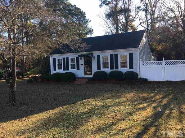 3 bed 2 bath Single Family at 1201 W Divine St Dunn, NC, 28334 is for sale at 120k - 1 of 19