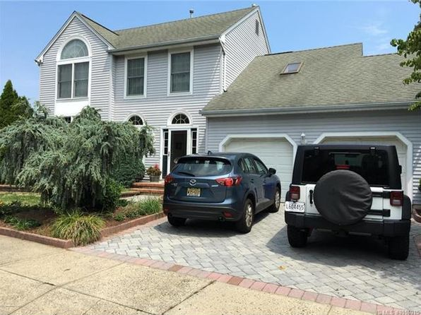 4 bed 2.5 bath Single Family at 720 Waterside Ct Point Pleasant Boro, NJ, 08742 is for sale at 599k - 1 of 25
