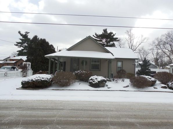 2 bed 2 bath Single Family at 25 W Water St Hubbard, OH, 44425 is for sale at 83k - 1 of 22
