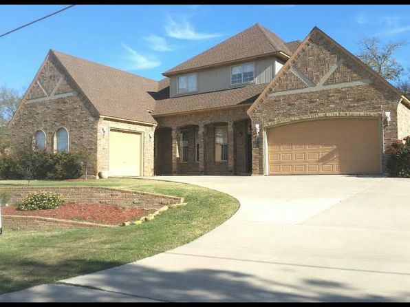 4 bed 4 bath Single Family at 208 Woods Ln Ardmore, OK, 73401 is for sale at 325k - 1 of 7