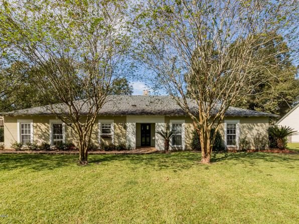 3 bed 3 bath Single Family at 106 Riverview Rd Lafayette, LA, 70503 is for sale at 400k - 1 of 23