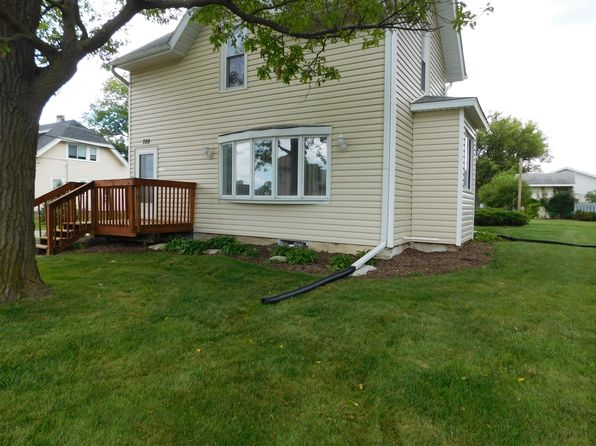 3 bed 3 bath Single Family at 720 Glacier Rd Pewaukee, WI, 53072 is for sale at 255k - 1 of 29