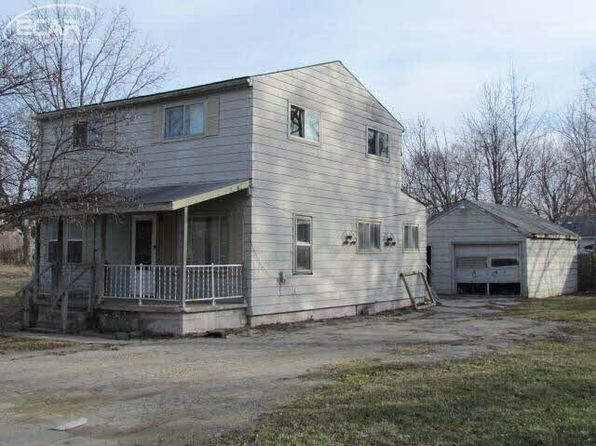 3 bed 1 bath Single Family at 3044 ROANOKE ST FLINT, MI, 48504 is for sale at 8k - 1 of 11