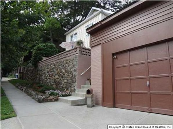 3 bed 1 bath Single Family at 85 Pleasant Valley Ave Staten Island, NY, 10304 is for sale at 450k - 1 of 27