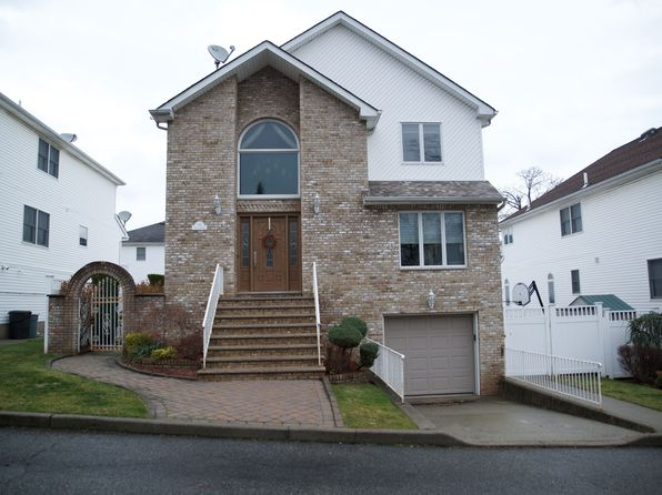 5 bed 4 bath Multi Family at 19 Delia Ct Staten Island, NY, 10307 is for sale at 875k - 1 of 39