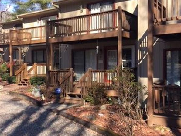 2 bed 3 bath Townhouse at 23 Wildflower Ln Waynesville, NC, 28786 is for sale at 120k - 1 of 15