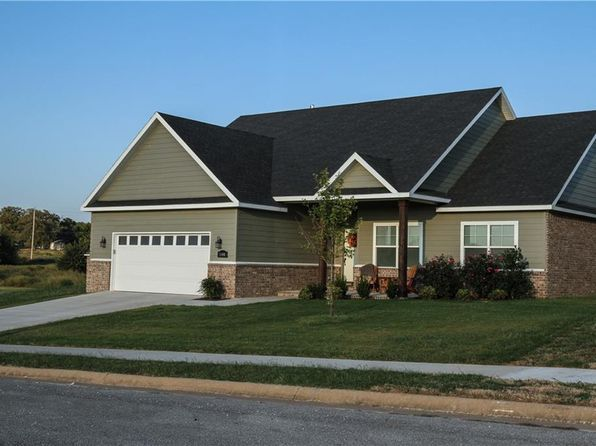 3 bed 2 bath Single Family at 2401 HOPE LN SILOAM SPRINGS, AR, 72761 is for sale at 202k - 1 of 30
