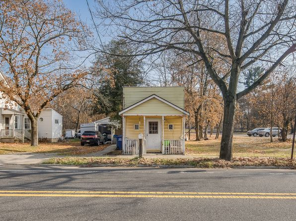 1 bed 1 bath Single Family at 582 Main St Lumberton, NJ, 08048 is for sale at 80k - 1 of 7