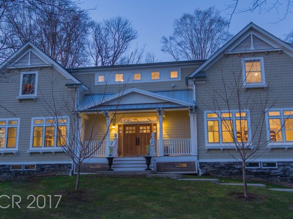 4 bed 4 bath Single Family at 93 Dimmig Rd Upper Saddle River, NJ, 07458 is for sale at 1.65m - 1 of 26