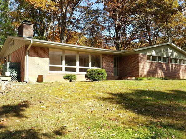 4 bed 3 bath Single Family at 837 Pigeon St Waynesville, NC, 28786 is for sale at 249k - 1 of 29