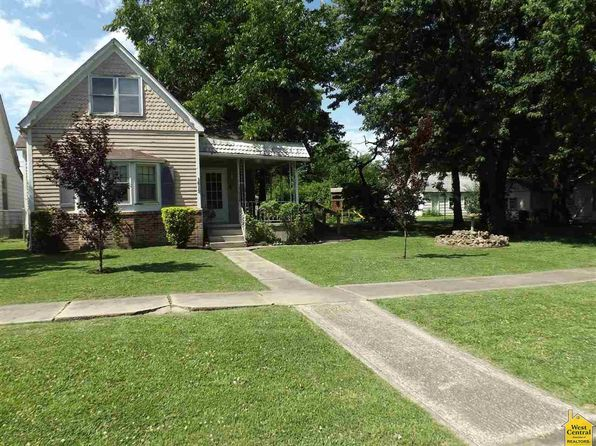 3 bed 2 bath Single Family at 1613 E 7th St Sedalia, MO, 65301 is for sale at 37k - 1 of 22