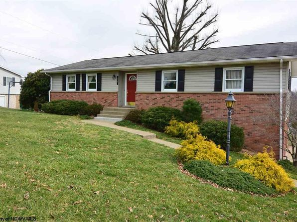3 bed 2 bath Single Family at 54 Brentwood Dr Bridgeport, WV, 26330 is for sale at 245k - 1 of 19