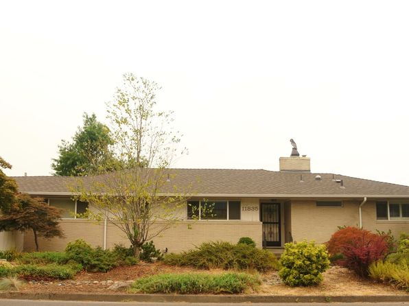 4 bed 3 bath Single Family at 11835 NE Fremont St Portland, OR, 97220 is for sale at 390k - 1 of 25