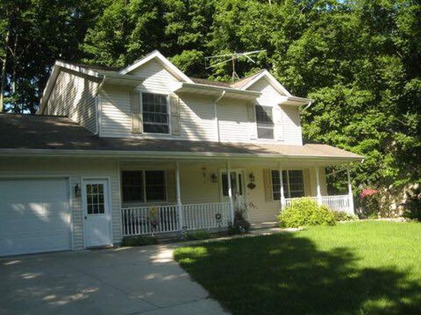4 bed 2 bath Single Family at 213 MEMORY LN FRANCIS CREEK, WI, 54214 is for sale at 250k - 1 of 32