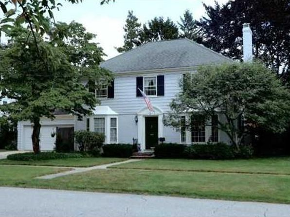 4 bed 3 bath Single Family at 99 Catlin Ave Rumford, RI, 02916 is for sale at 480k - 1 of 25