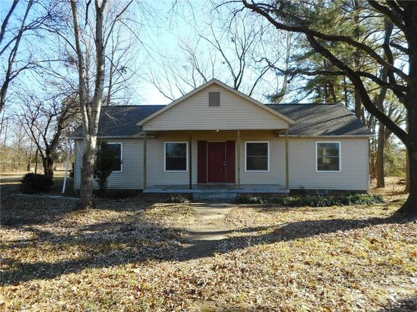 2 bed 1 bath Single Family at 1430 282 Hwy Van Buren, AR, 72956 is for sale at 80k - 1 of 21