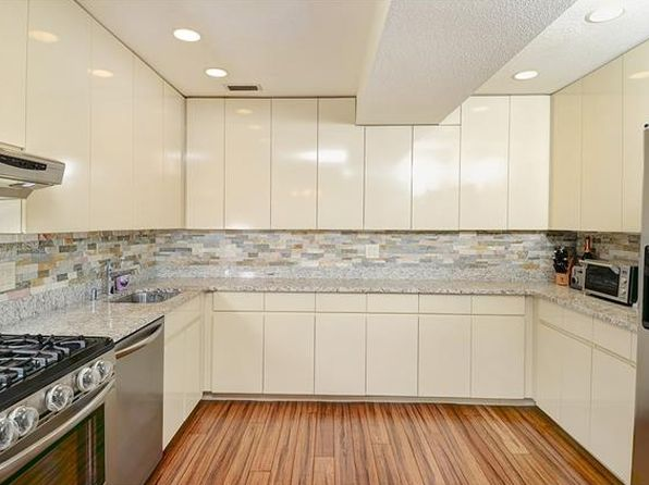 3 bed 3 bath Condo at 1-2 Quarry Cor Ridgefield, CT, 06877 is for sale at 335k - 1 of 21