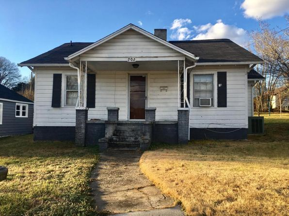 2 bed 1 bath Single Family at 702 Church St Loudon, TN, 37774 is for sale at 75k - 1 of 11