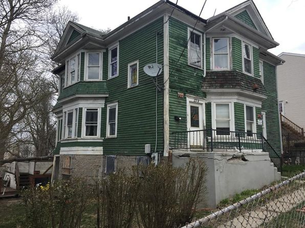 6 bed 2 bath Multi Family at 270 Pearce St Fall River, MA, 02720 is for sale at 129k - google static map