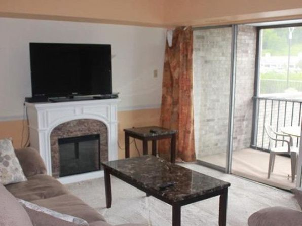 2 bed 1 bath Condo at 2160 Greentree Rd Pittsburgh, PA, 15220 is for sale at 109k - 1 of 10