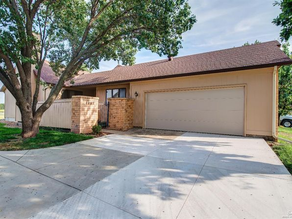 2 bed 2 bath Single Family at 1007 Burr Oak Ln Salina, KS, 67401 is for sale at 145k - 1 of 19