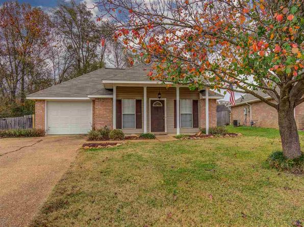 2 bed 2 bath Single Family at 4330 Blaine Cir Byram, MS, 39272 is for sale at 107k - 1 of 36
