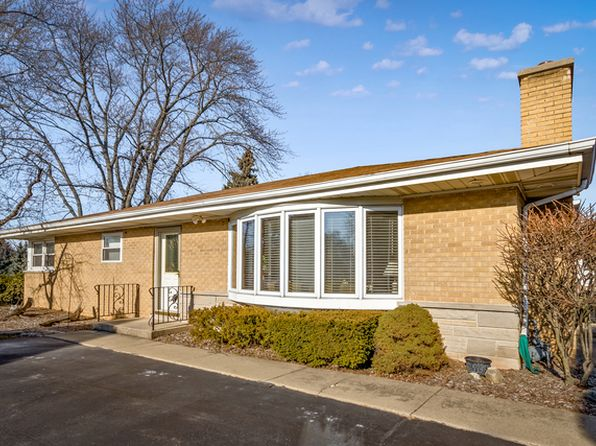 3 bed 2 bath Single Family at 700 Valley View Dr Schaumburg, IL, 60193 is for sale at 270k - 1 of 24