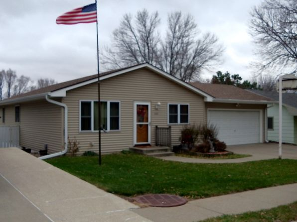 3 bed 3 bath Single Family at 2426 W 20th St Sioux City, IA, 51103 is for sale at 150k - 1 of 24