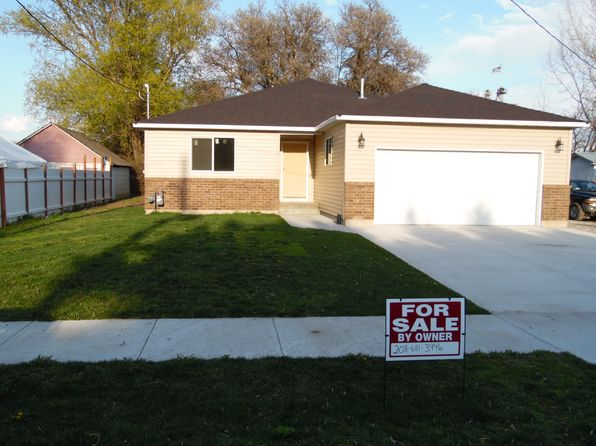 4 bed 2 bath Single Family at 223 S 1ST W Preston, ID, null is for sale at 210k - 1 of 16