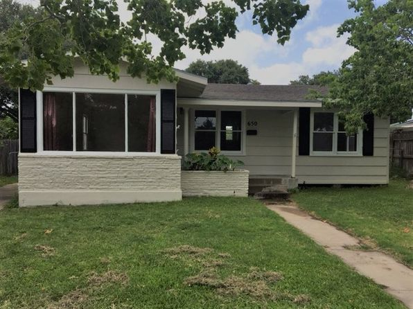 3 bed 1 bath Single Family at 650 Wilshire Pl Corpus Christi, TX, 78411 is for sale at 126k - 1 of 18