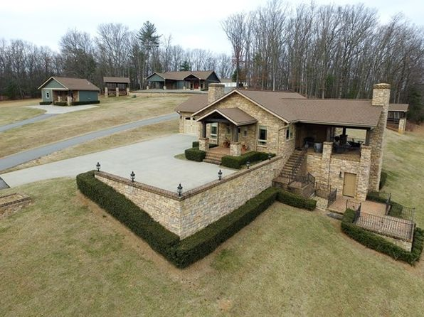2 bed 3 bath Single Family at 3222 Meadow Creek Rd Galax, VA, 24333 is for sale at 899k - 1 of 46