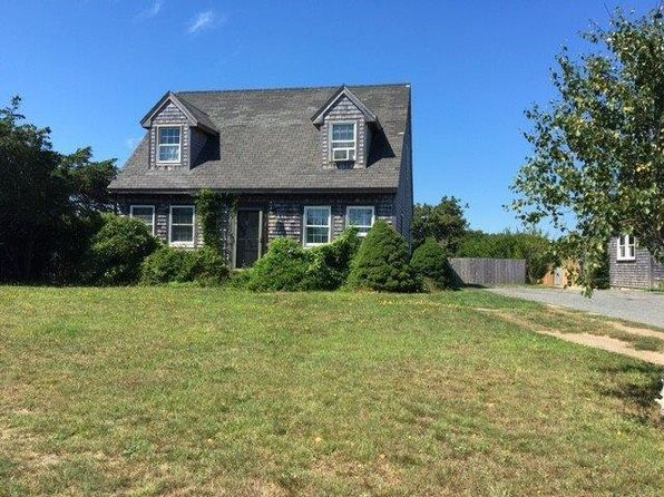 4 bed 2 bath Single Family at 1 Sea Fox Cir Nantucket, MA, 02554 is for sale at 779k - 1 of 8
