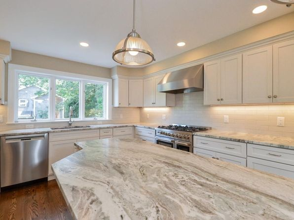 4 bed 3 bath Single Family at 21 Nob Hill Rd Barnstable, MA, 02601 is for sale at 865k - 1 of 30