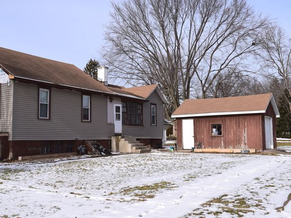 2 bed 1 bath Single Family at 300 W 3rd St Spring Valley, IL, 61362 is for sale at 48k - 1 of 18