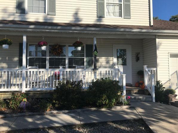 3 bed 2 bath Single Family at 101 Silverwood Ct Toms River, NJ, 08753 is for sale at 300k - 1 of 9