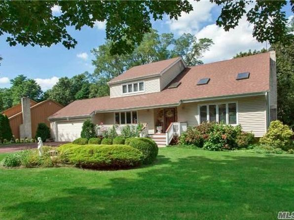 3 bed 3 bath Single Family at 3 Harbor Crest Ct Halesite, NY, 11743 is for sale at 750k - 1 of 20