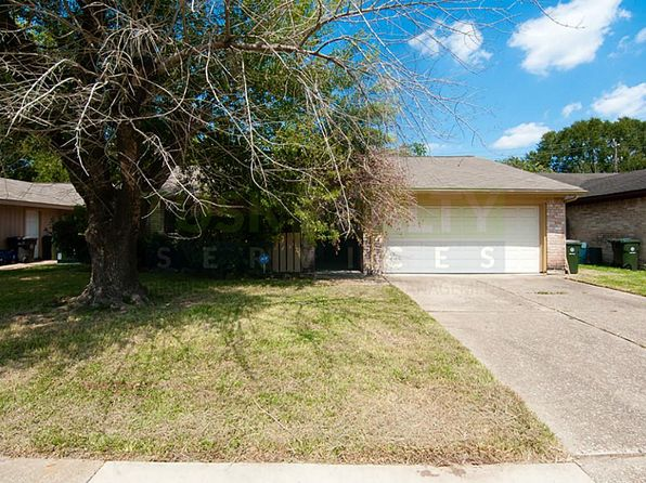 3 bed 2 bath Single Family at 1210 Ravenscourt Dr Sugar Land, TX, 77498 is for sale at 150k - 1 of 12
