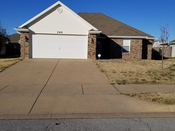 3 bed 2 bath Single Family at 1301 E FREEDOM SILOAM SPRINGS, AR, 72761 is for sale at 135k - 1 of 20