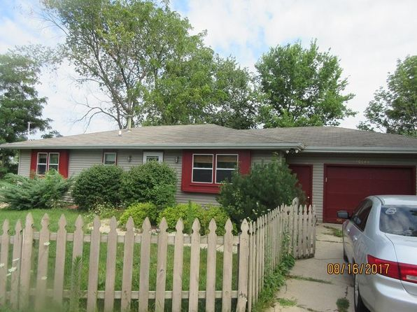 3 bed 1 bath Single Family at 30144 Moccasin Dr Burlington, WI, 53105 is for sale at 140k - 1 of 8