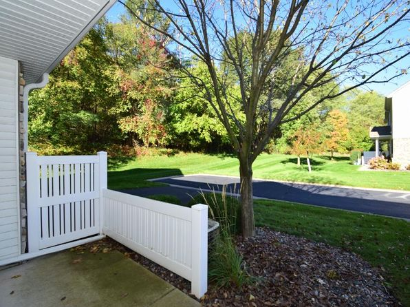 2 bed 1.5 bath Townhouse at 714 Maple Hills Dr Saint Paul, MN, 55117 is for sale at 165k - 1 of 12