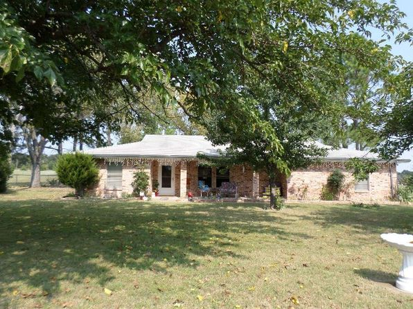 3 bed 2 bath Single Family at 1360 Jordan Rd Bowie, TX, 76230 is for sale at 160k - 1 of 12
