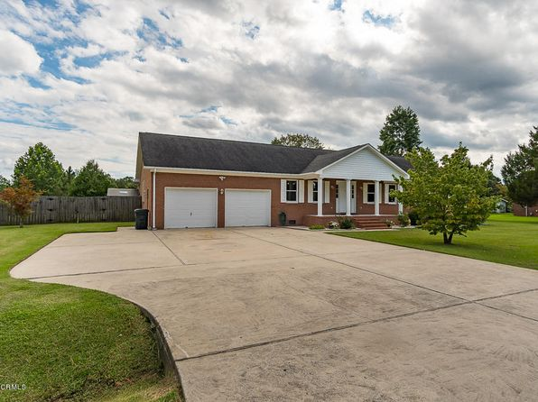 4 bed 3.5 bath Single Family at 709 Oakdale Ave New Bern, NC, 28562 is for sale at 275k - 1 of 48