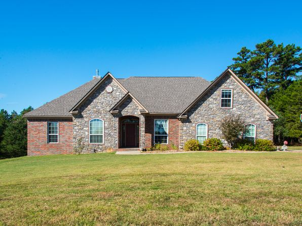 4 bed 3 bath Single Family at 8 Pine Shadow Greenbrier, AR, 72058 is for sale at 350k - 1 of 36