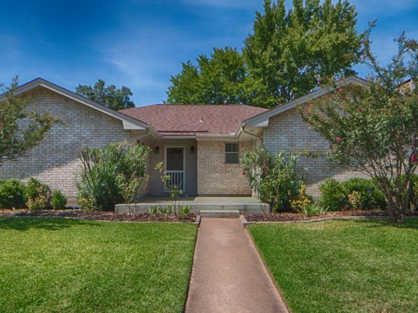 3 bed 2 bath Single Family at 2710 Camelot Dr Bryan, TX, 77802 is for sale at 200k - 1 of 17